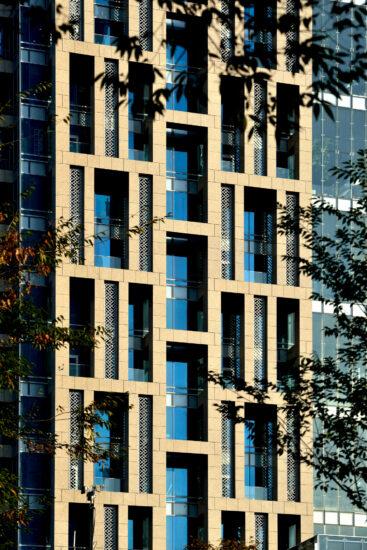 A detailed view of Hua Nan Bank Headquarters' exoskeleton lattice designed by KRIS YAO | ARTECH. (Photo by Jeffrey Cheng)