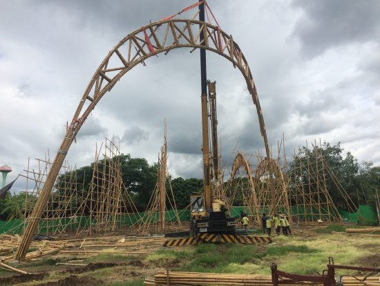 Prefabricated bamboo trusses start going up for the Bamboo Sports Hall for Panyaden International School located in Chiangmai, Thailand (Photo courtesy Chiangmai Life Architect via Worldarchitecturenews.com)
